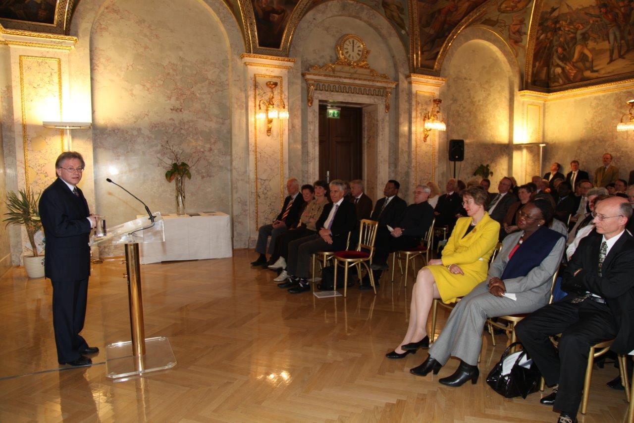 Verleihung des PaN-Preises des Bundesministeriums für europäische und internationale Angelegenheiten an die ÖNG, 26. April 2010
