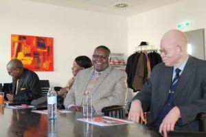Minister Kameeta (re), SE Botschafter Maruta und ihre Mitarbeiter