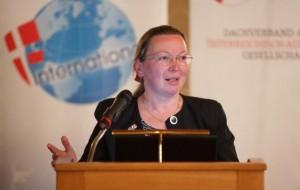 PaN-Gesellschaften vor den Vorhang 2016, A. Esterlus
